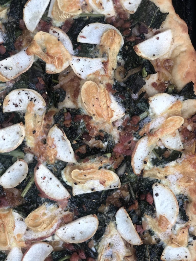 Create this farmer's market pizza recipe with Green Dirt Farm's signature brie inspired sheep cheese, Bossa.